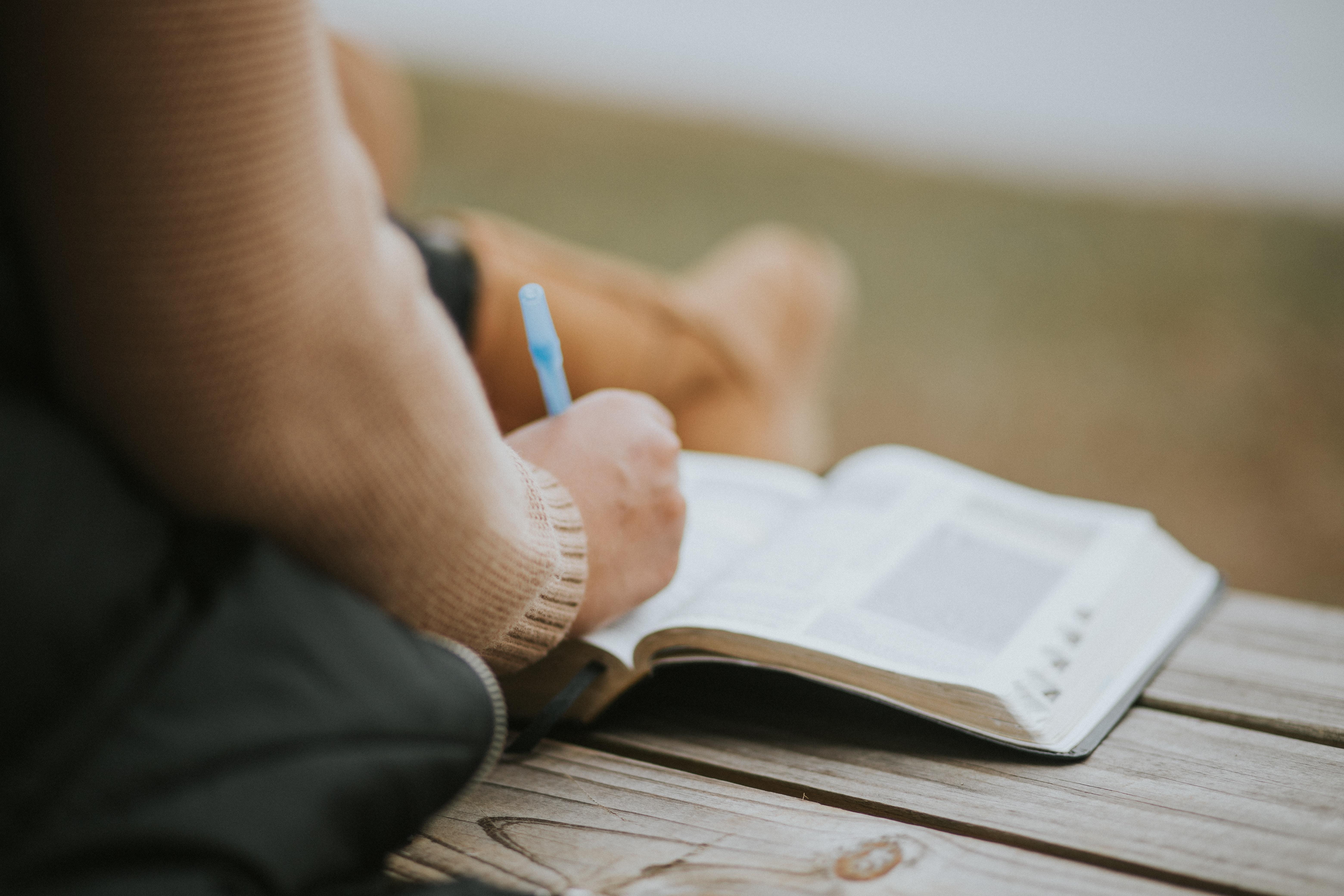 Estudios Bíblicos Semanales: HEREDEROS DE VIDA ETERNA (2/5)